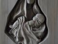 Matka se spícím dítětem - ořech