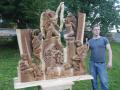 Roman Galek u betléma z Jilmového dřeva
